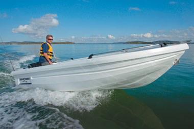 SW4800 Open Boat