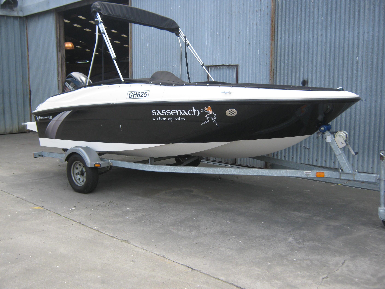 Bayliner Element E16 Deck Boat